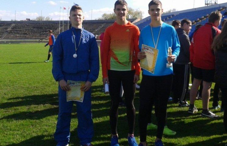 Хмельницькі легкоатлети повернулися з всеукраїнських змагань з 8 нагородами