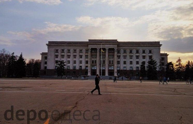 Вибухових пристороїв на Куліковому полі в Одесі не виявили
