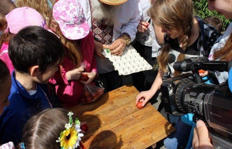 Вінничани бились яйцями та розписували крашанки