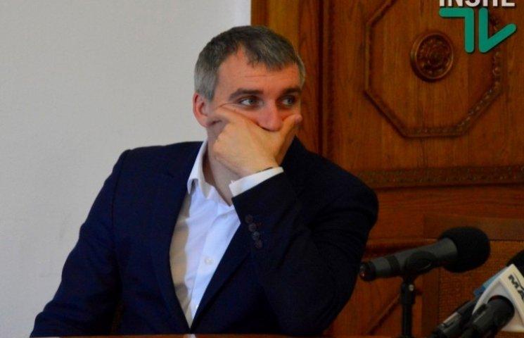 Меру Миколаєва соромно за вивіз сміття на травневі свята