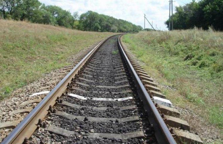 На Вінниччині вантажний потяг вбив пенсіонерку