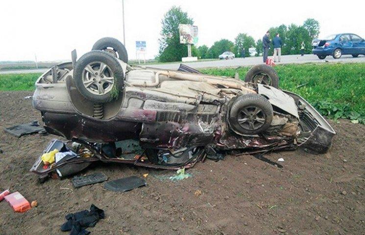 На Хмельниччині в жахливій ДТП загинув чоловік