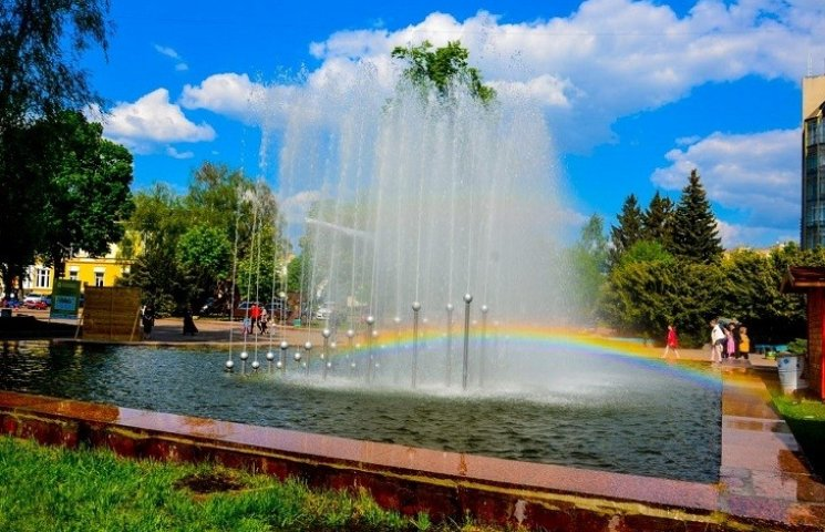 В Житомирі запрацювали фонтани