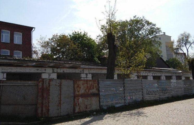Архітектурна інспекція відзвітувала, що зупинила скандальне будівництво в центрі Миколаєва