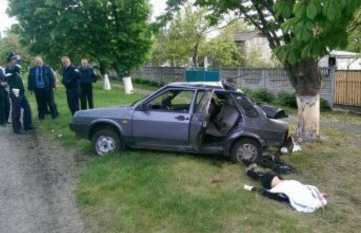 Під Павлоградом у страшній аварії напередодні випускного загинула 11-класниця