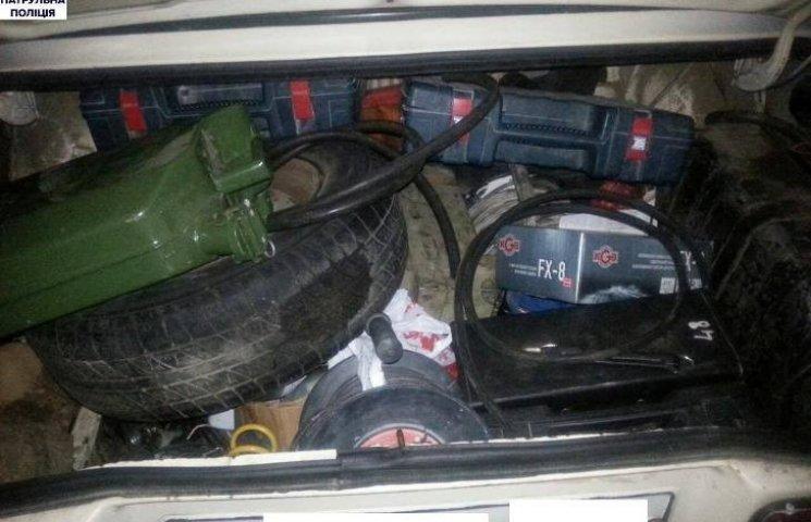 У Миколаєві затримали підозрюваних у серії крадіжок