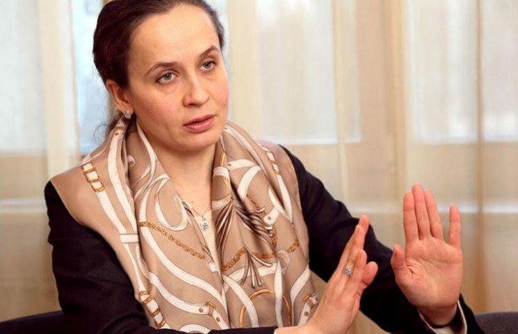 На Киевщине избили замминистра с мужем и сыном: рвали одежду, терзали об бордюр