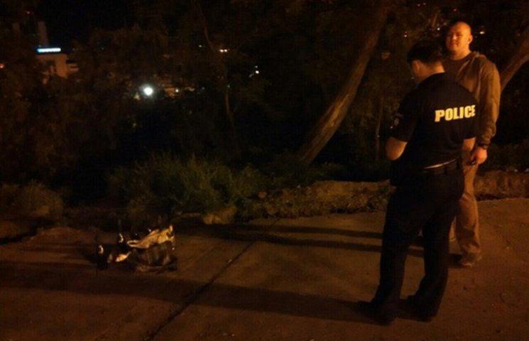 """В центрі Одеси поліція знайшла сумку з """"коктейлями Молотова"""""""