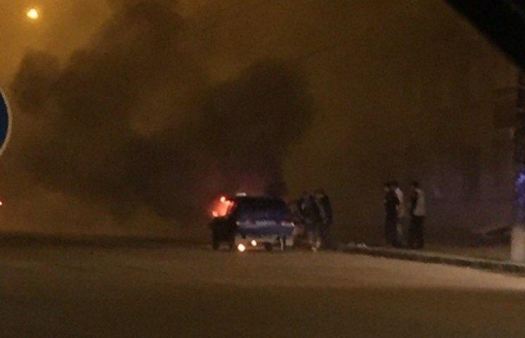 У Дніпропетровську на ходу загорілася автівка
