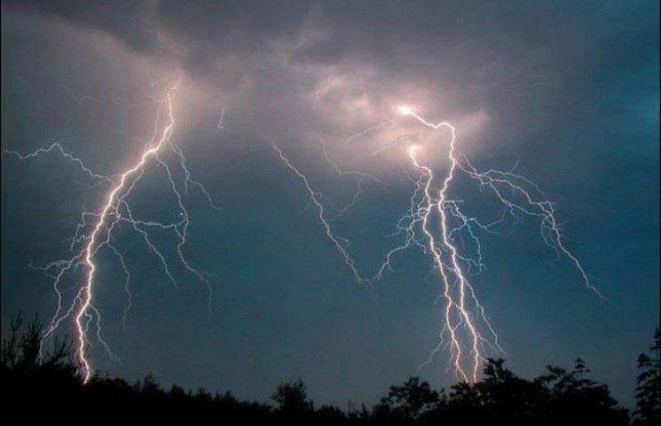 На Миколаївщині жінка померла від удару блискавки