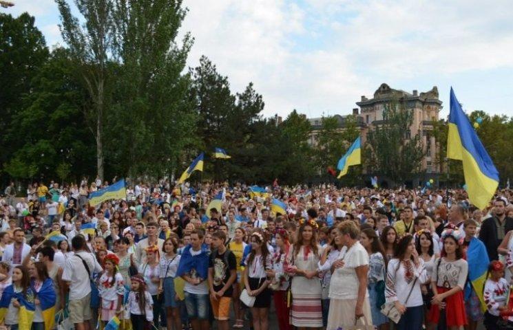 Миколаївці збираються на шостий мегамараш вишиванок