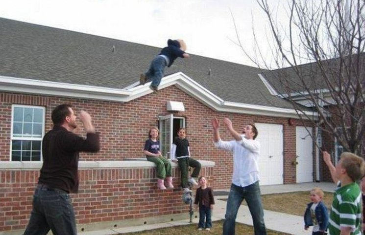 30 родителей, которым лучше не доверять детей