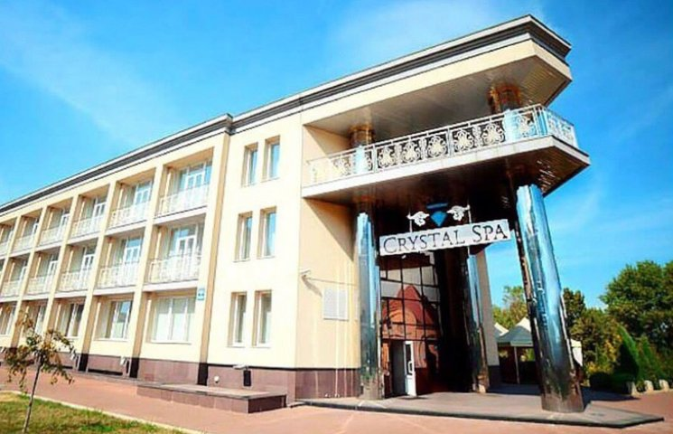 До сих пор ли салон красоты на Оболони принадлежит любовнице Януковича?