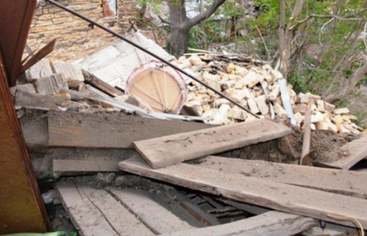 Опубліковані фото обвалу житлового будинку в Одесі