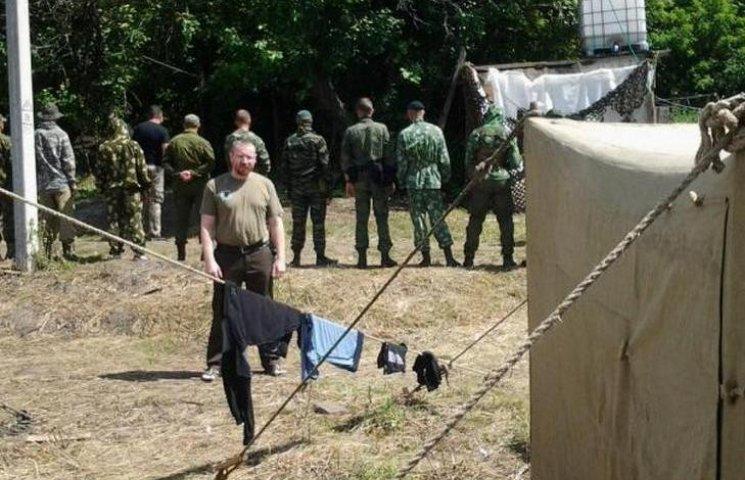 Будні російського терориста: вербування, зброя, табори підготовки в Ростові (ФОТО)