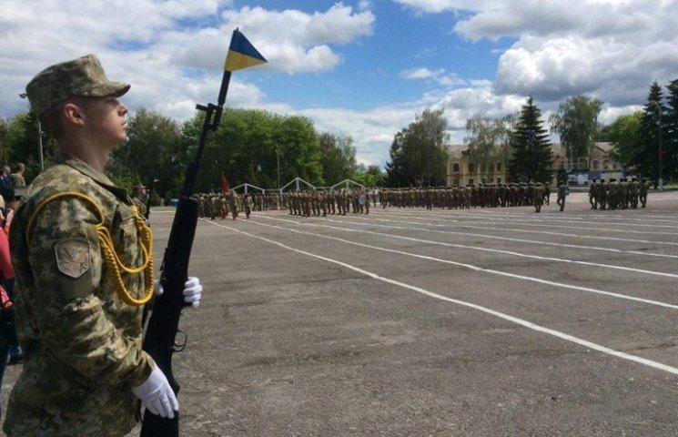 У Хмельницькому випустили перших спецпризначенців, які вчилися за програмою НАТО