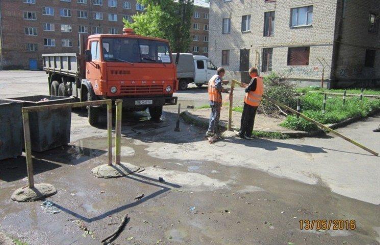 У Миколаєві все ж таки демонтували незаконні шлагбауми