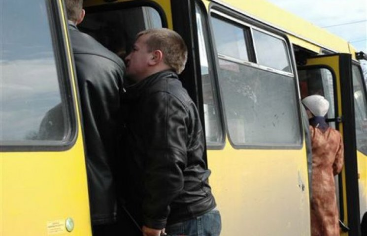 У Хмельницькому маршрутників оштафували на 17 тисяч гривень