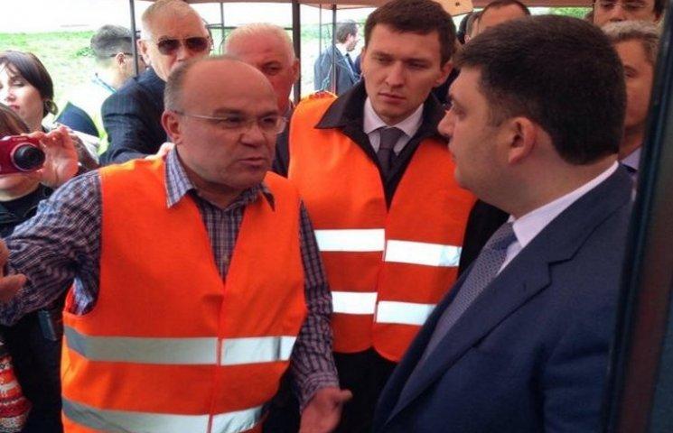 На Одещині Гройсман вчив водіїв, як берегти українські дороги