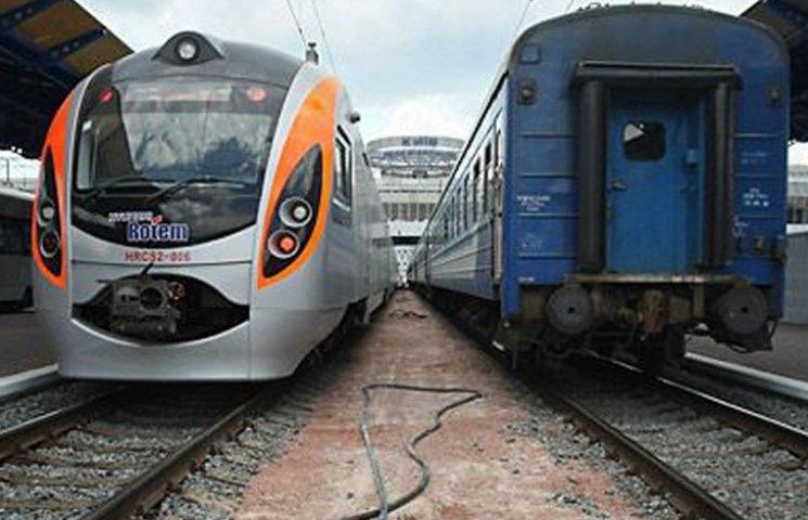 Залізничник розповів, чи здорожчають квитки на літні поїзди