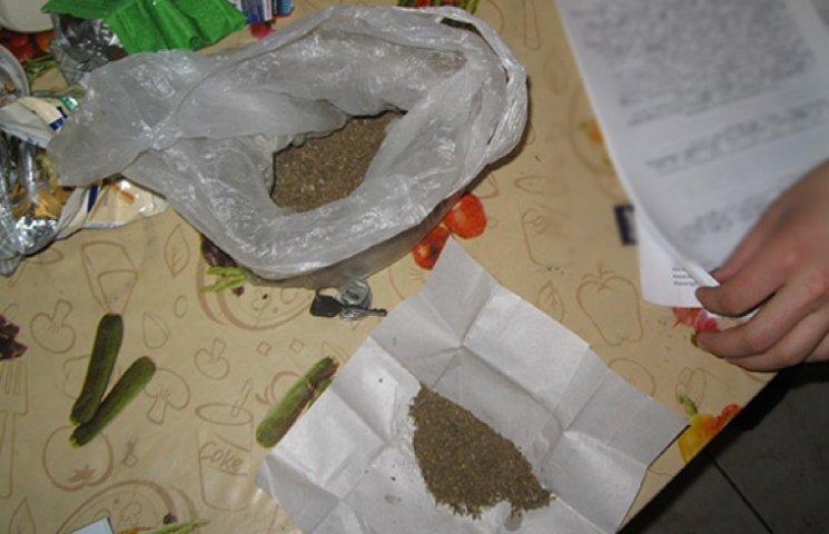 На Хмельниччині поліцейські викрили наркопритон