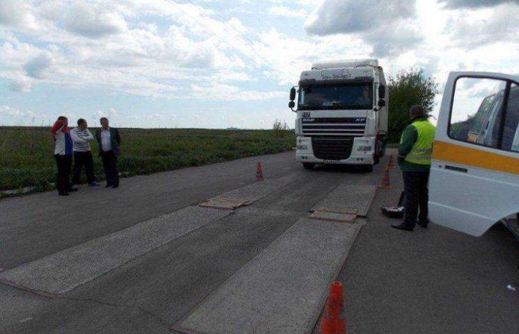 Водіїв вагового транспорту сьогодні наштрафували на Хмельниччнині на 1200 євро