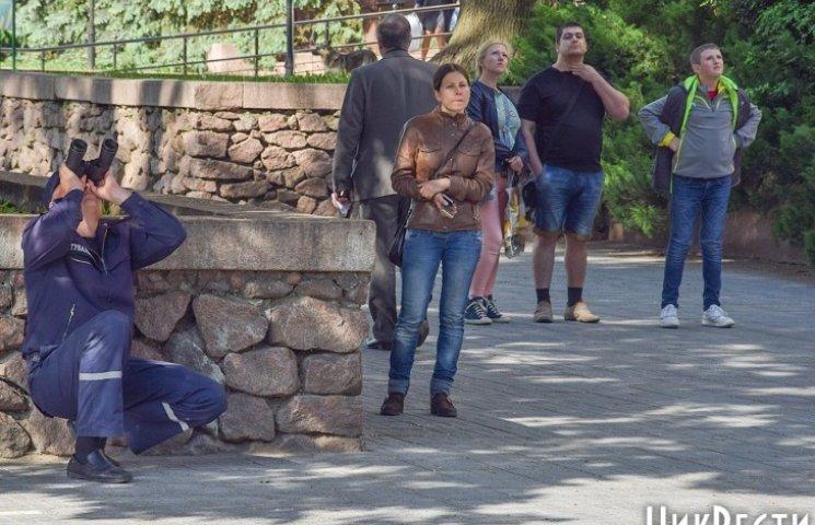 У центрі Миколаєва троє підлітків вилізли на недобудовану багатоповерхівку