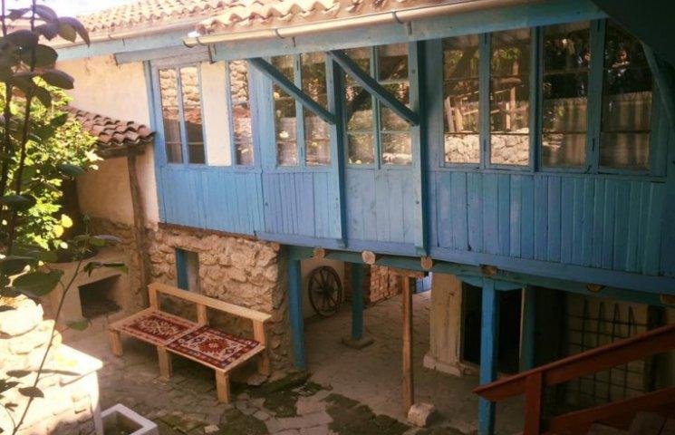 Східна казка: 13 фото відреставрованого кримськотатарського будинку