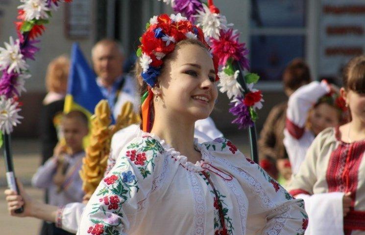 День вишиванки у Краматорську: Концерт, флешмоб та фурор прикордонників