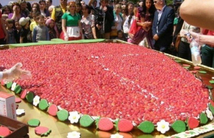 """""""Свято полуниці"""" в Одесі привернуло увагу величезної кількості одеситів"""