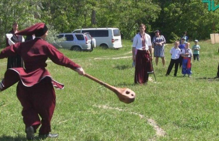 Штовхач та сабельні бої: миколаївські козаки позмагалися на чемпіонаті (ФОТО, ВІДЕО)