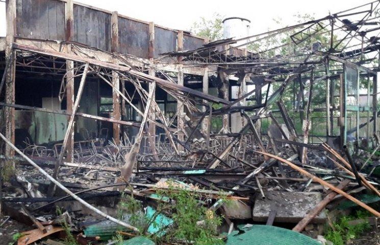В Затоці на Одещині палали одразу дві бази відпочинку