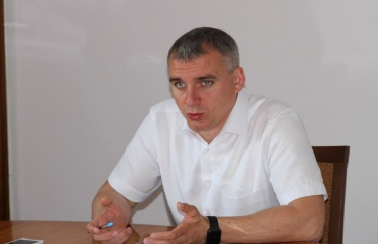 Мер Миколаєва дав доручення прибрати коней з головної вулиці міста