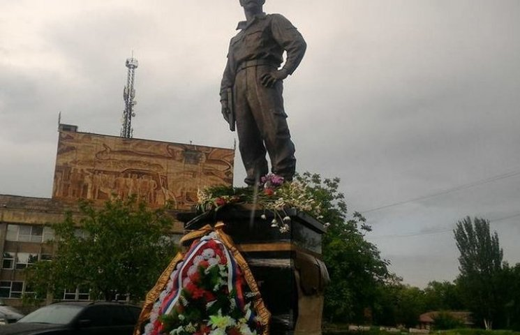 В Алчевську окупанти встановили пам