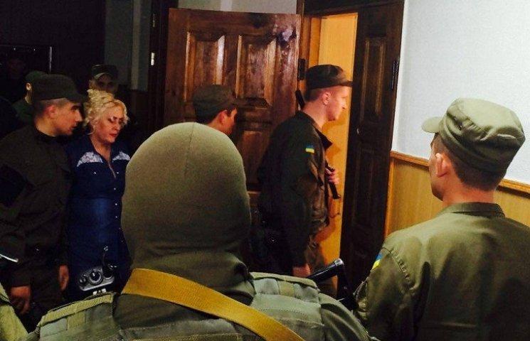 У Харкові Штепу до суду супроводили автоматники та службовий пес