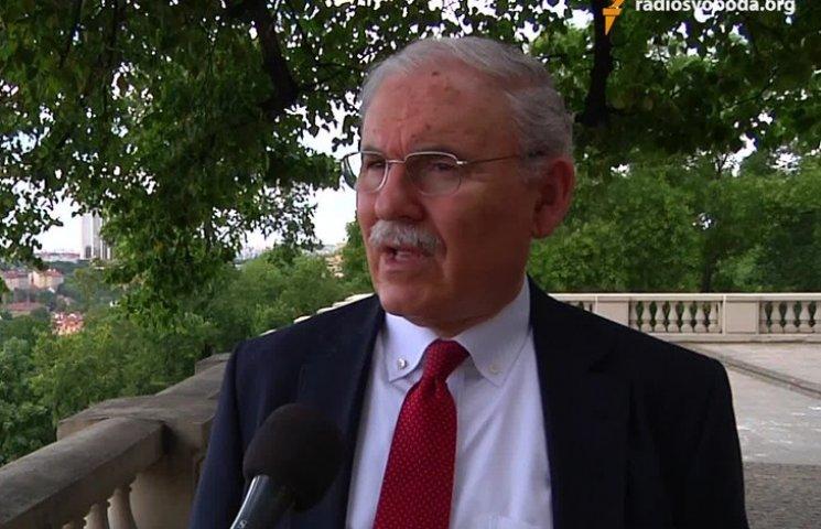 Навіщо Луценку американський прокурор