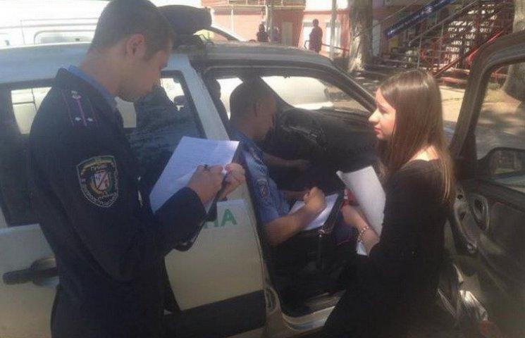 На Дніпропетровщині поліція шукає чоловіка, який напав на журналістів