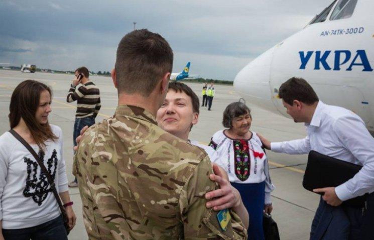 Как во время холодной войны: у Порошенко рассказали, как везли Надежду Савченко