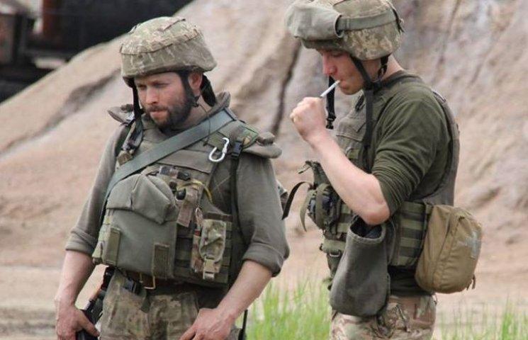 """У штабі АТО розповіли подробиці одного бою у """"промці"""" Авдіївки"""