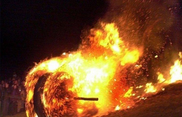 На Одещині пожежники гасили палаюче сіно та дрова