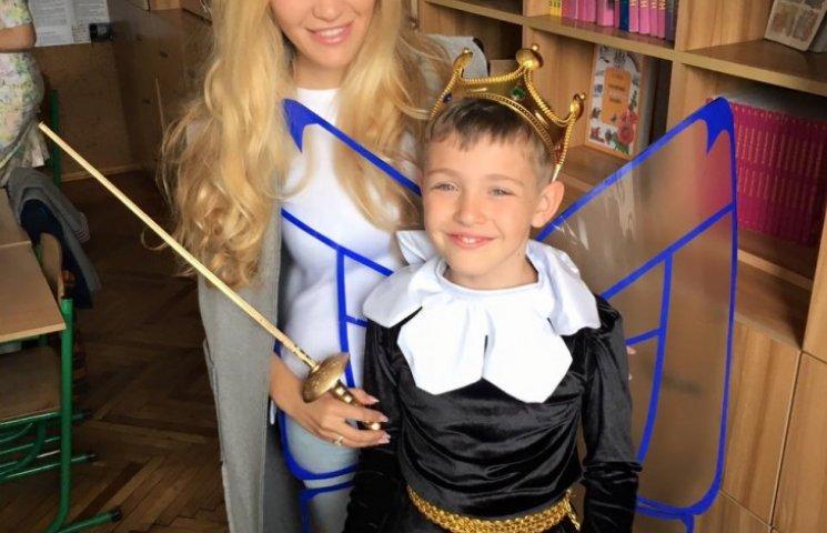 Экс-жена Пономарева похвасталась сыном-отличником