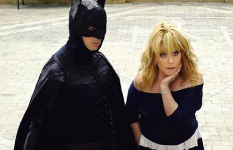 Пугачева и Галкин в костюме Бэтмена показали свои ролевые игры