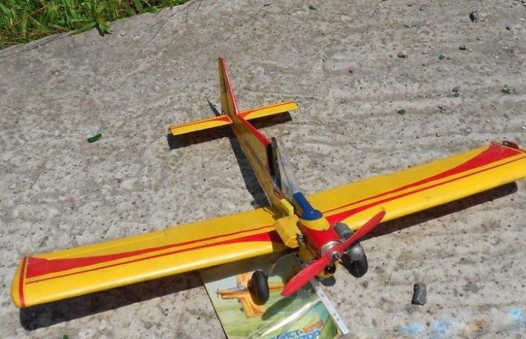 У Хмельницькому змагалися юні авіамоделісти