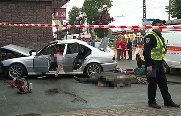 У Вінниці жахлива аварія забрала життя чотирьох молодих людей