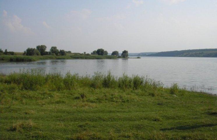 Миколаївці виступили за відновлення осушеного Жовтневого водосховища