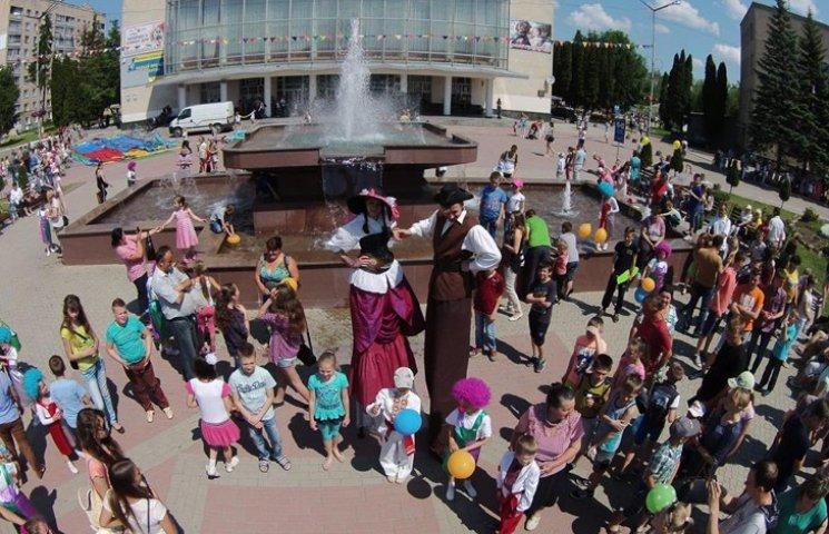 На Хмельниччині розпочали святкувати День захисту дітей