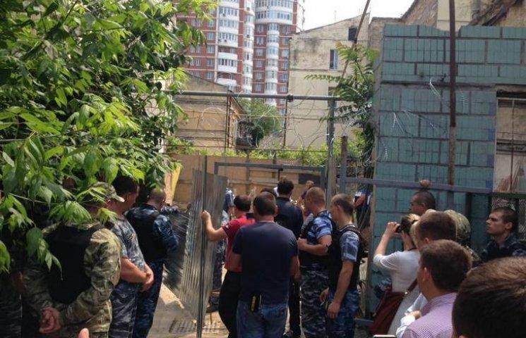 У центрі Одеси охоронці стріляли в держслужбовців