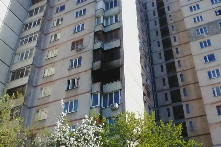 Харьковские пожарные вынесли пенсионерку…