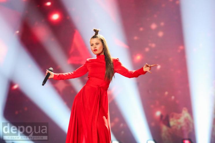 Євробачення-2017: глядачів своїм виступом вразили ведучі конкурсу