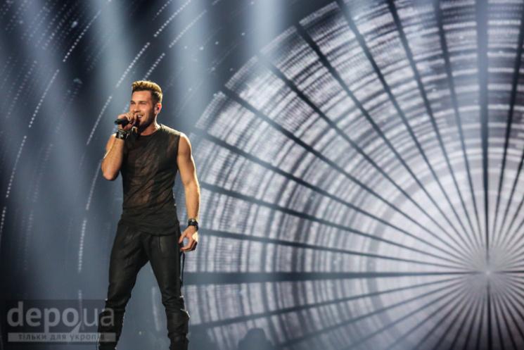 Другий півфінал «Євробачення»: співи ведучих, засилля білого таще10 фіналістів
